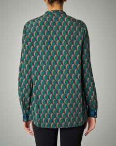Camicia a stampa geometrica verde e blu con fiocco
