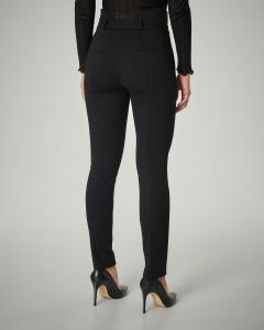 Pantalone nero in viscosa stretch con fascia in vita