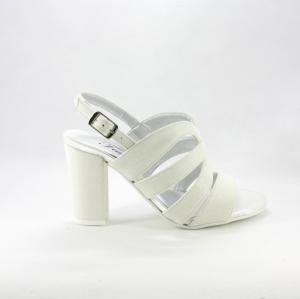 Sandalo donna elegante da cerimonia in tessuto glitter avorio con cinghietta regolabile e tacco largo.