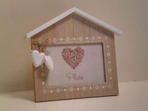 Portafoto Casa in legno con decorazione 2 cuori stile Shabby Chic cm.20x20