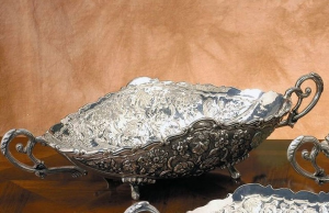 Oval fruit bowl centerpiece Jatte in Sheffield stile Cesellato cm.50x22x11h