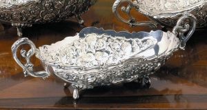 Oval fruit bowl centerpiece Jatte in Sheffield stile Cesellato cm.39x16x9h