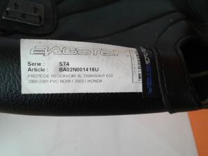 Copriserbatoio Bagster di colore nero Honda Transalp XL 650 V 2000/01