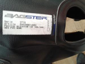 Copriserbatoio Bagster di colore nero,con logo ricamato CBF