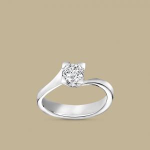 Anello Solitario in Oro Bianco e Brillanti Collezione Bridal