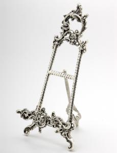 Cavalletto portapiatti portamenù argentato argento sheffield da tavolo e da buffet stile cesellato cm.36h
