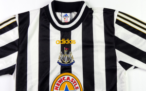 1997-99 Newcastle Maglia Home S (Top)