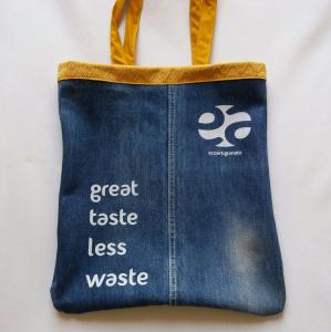 Shopping bag jeans con rifiniture in tessuto