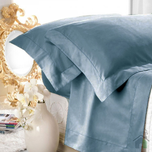 Set lenzuola matrimoniale AURORA in raso di puro cotone a giorno avio