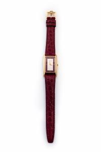 Orologio donna Gucci quadrante rettangolare colore Argentè e profilo Rosso