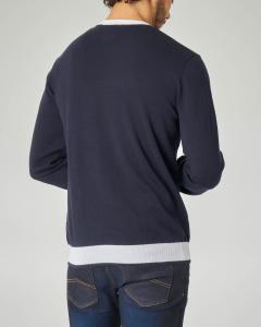 Maglia blu girocollo con profili bianchi