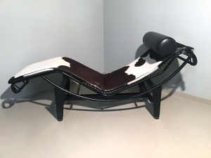 CHAISE LONGUE CAVALLINO STILE Le Corbusier