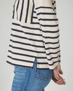 Maglia girocollo in jersey di cotone bianca a righe blu