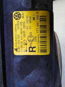 Proiettore dx usato Volk. Touran serie dal 2003 al 2010