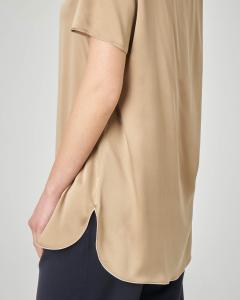 Blusa in crêpe seta color cuoio a maniche corte