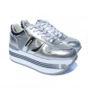 Sneaker argento con fondo platform Apepazza