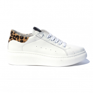 Sneaker bianca con tallone leopardato In My Shoes