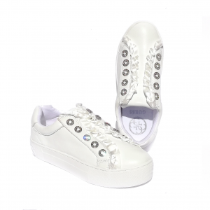 Slip on bianco con rouche Guess