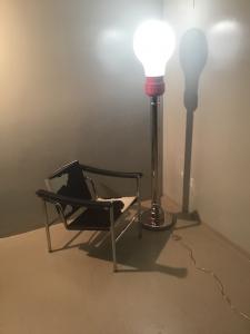 LAMPADINA A STELO LUNGO