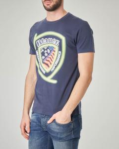 T-shirt blu con logo scudetto fluo