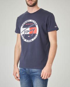 T-shirt blu con logo circolare