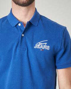 Polo blu royal con logo in corsivo