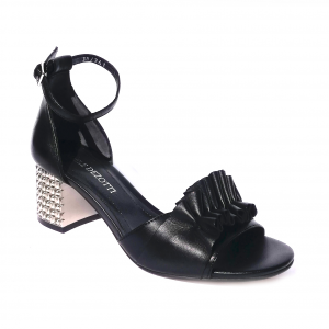 Sandalo nero con tacco lavorato Adele Dezotti