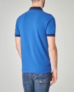 Polo blu royal con collo in contrasto e bordini
