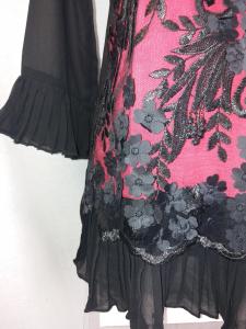 Maglia donna elegante doppiata in pizzo nero  maniche tre quarti
