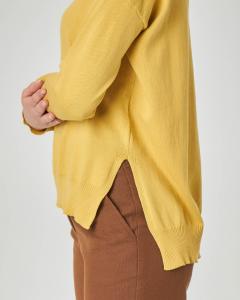 Maglione giallo girocollo in cotone con spacchetti laterali