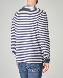 T-shirt manica lunga a righe bianche e blu