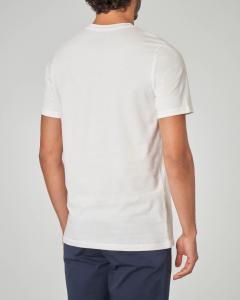 T-shirt bianca con stampa pop art