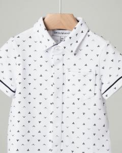 Camicia bianca mezza manica con taschino e stampa all over