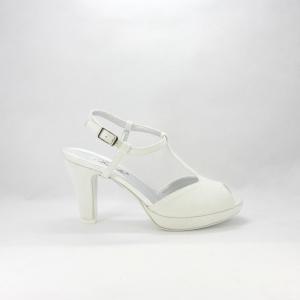 Sandalo sposa avorio luminoso.