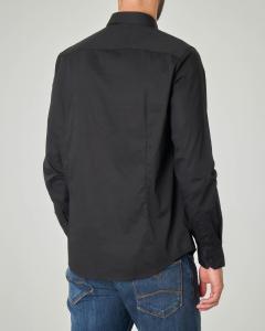 Camicia nera in popeline stretch