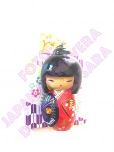 Portachiavi Kokeshi Rosso con ombrello viola