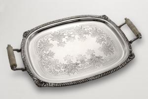 Vassoio rettangolare con manici stile Regina Anna argentato argento sheffield cm.56x36