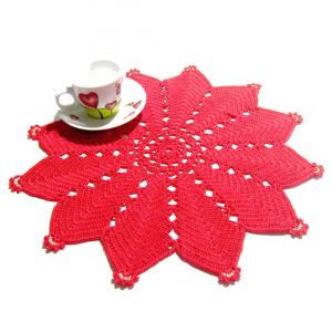 CENTRINO rosso a forma di stella per Natale all'uncinetto