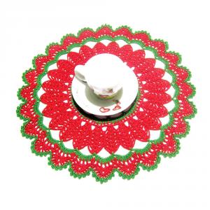 CENTRINO rotondo rosso e verde per Natale all'uncinetto