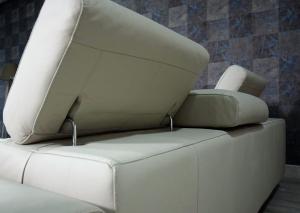 FIDO Divano angolare destro in pelle tortora a 5 posti maggiorati con poggiatesta recliner manuali piedini cromati lucidi- angolo terminale – Design moderno