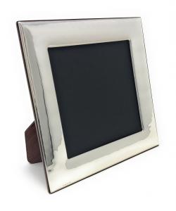 Cornice portafoto quadrata in argento con fascia larga stile Martellata cm.27x27h