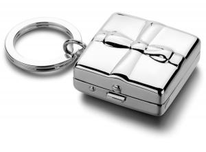 Portachiavi con portapillole fiocco silver plated