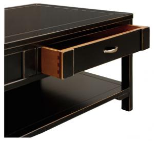 Tavolino da salotto nero spigolato