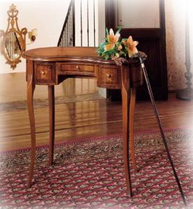 Tavolino scrittoio intarsiato