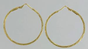 ORECCHINI A CERCHIO IN CANNA QUADRA LAVORATA, ORO 18 KT DIAMETRO CM 3,80