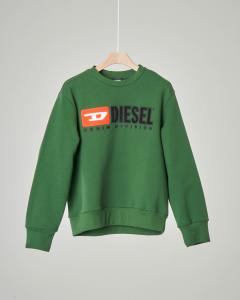 Felpa verde girocollo con logo vintage in feltro 8-16 anni