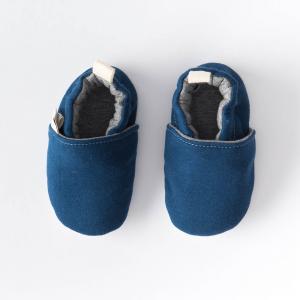 Scarpine antiscivolo tinta unita blu in cotone biologico