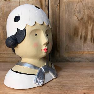 LADY WHITE CAP