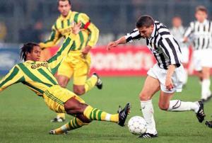 1995-96 Nantes Maglia Home XL