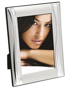 Cornice portafoto in silver plated con decoro onda cm.1,1x14,5x19,5h